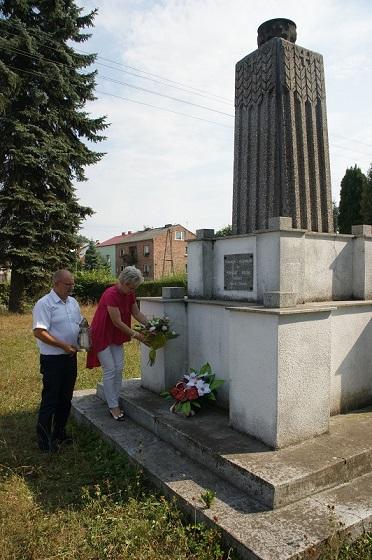 pomnik w Żytniowie1.jpeg