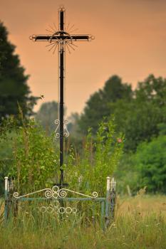 Na szlaku rowerowym - przydrożny krzyż