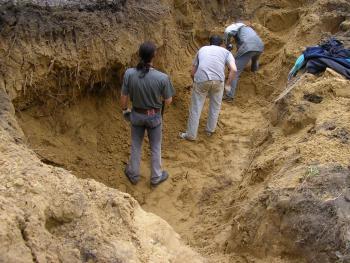 Prace ekshumacyjne prowadzone były przez 3 dni